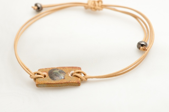 Armband aus Lederschnur 1mm Bild