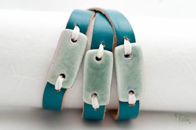 Dünnes Armband um dreimal umzuwickeln. Verschluss: Schnalle Bild